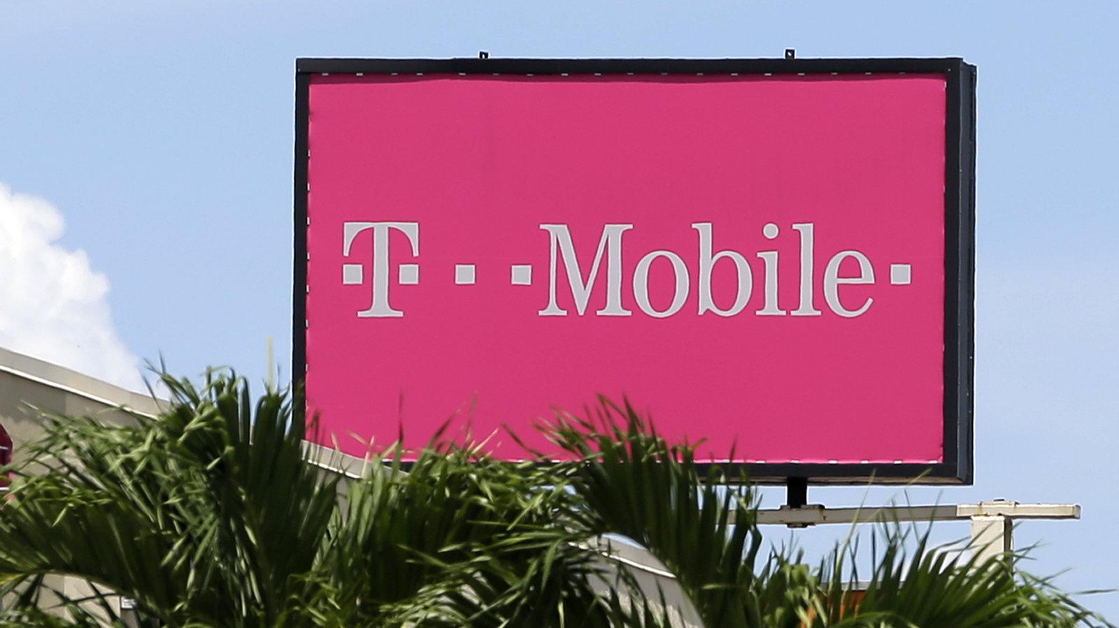 """T-Mobile fined $40 million for """"false rings"""""""