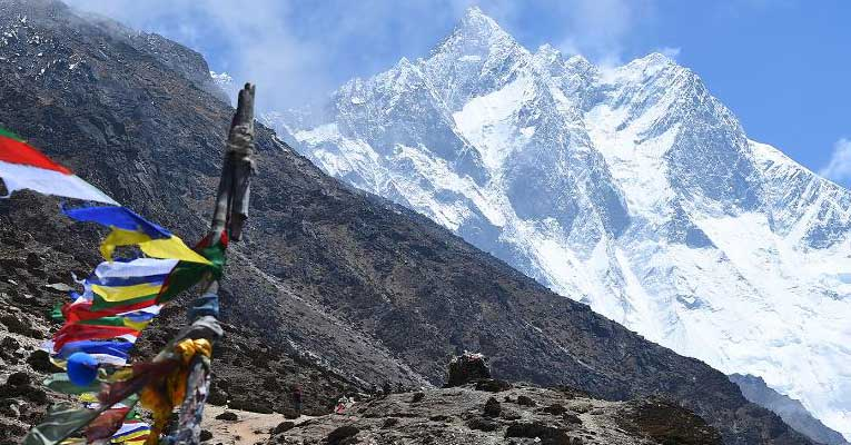 Nepal cracks down after tourists scammed